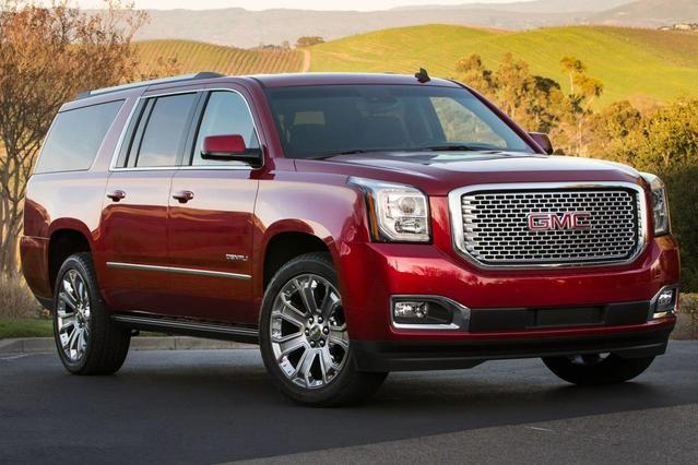 2015 GMC Yukon XL DENALI Slide 0