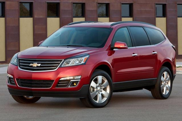 2015 Chevrolet Traverse LT SUV Slide 0