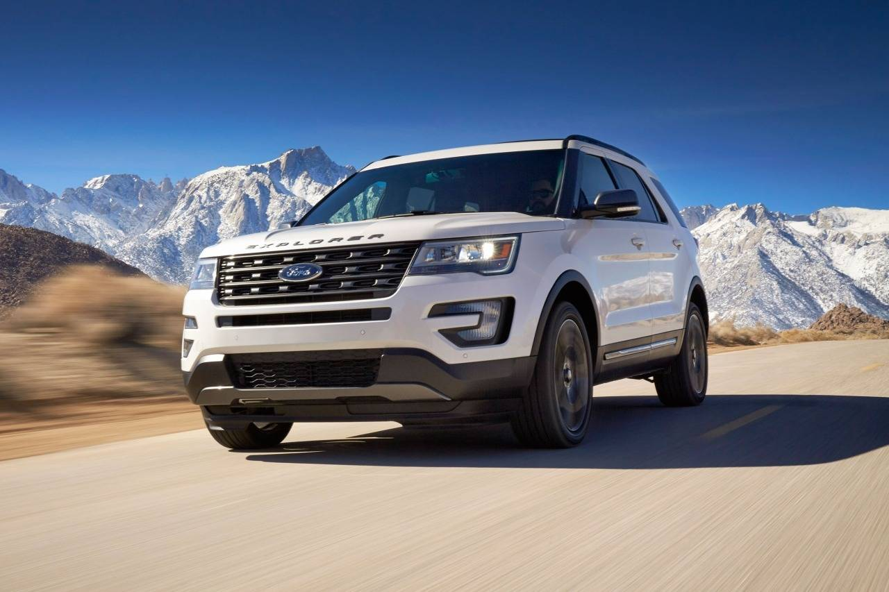 2018 Ford Explorer PLATINUM SUV Slide 0