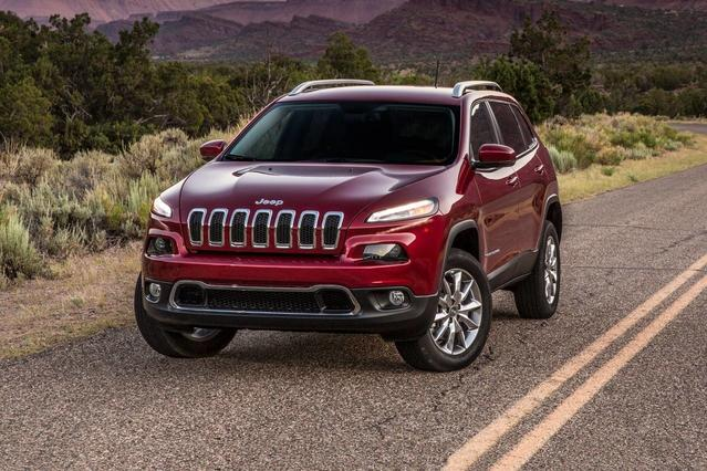 2018 Jeep Cherokee LATITUDE PLUS Sport Utility  NC