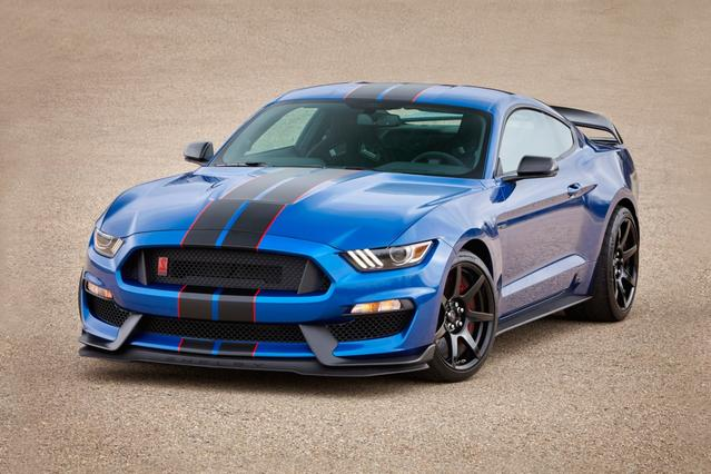 2018 Ford Mustang SHELBY GT350 Slide 0