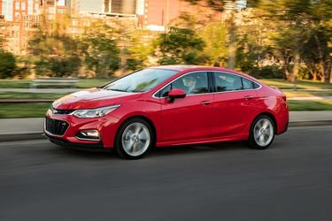 2018 Chevrolet Cruze LT Hatchback Slide