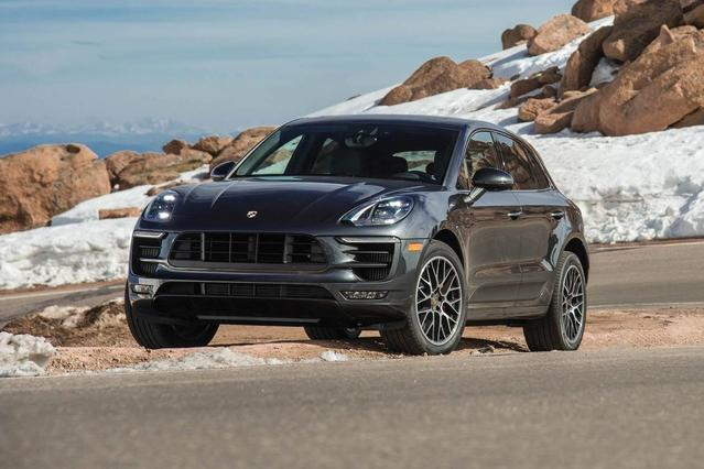 2018 Porsche Macan TURBO SUV Slide 0