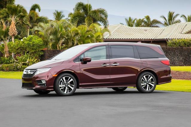 2018 Honda Odyssey ELITE Minivan Slide 0