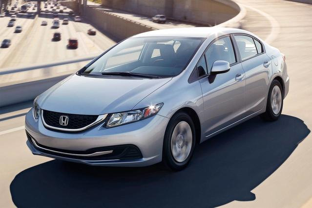 2015 Honda Civic Sedan SE 4dr Car Slide 0
