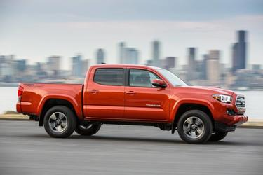 2017 Toyota Tacoma LIMITED 4x4 Limited 4dr Double Cab 5.0 ft SB