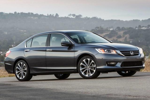 2015 Honda Accord Sedan SPORT 4dr Car Slide 0