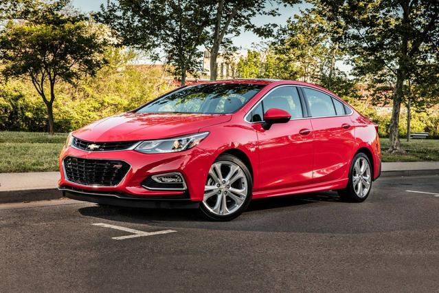2018 Chevrolet Cruze LT 4dr Car Slide 0