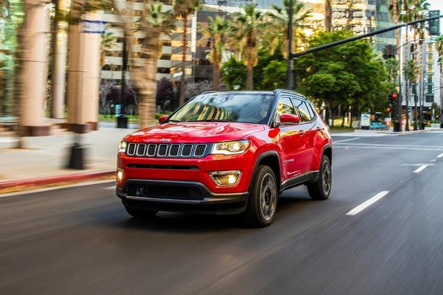 2018 Jeep Compass LIMITED Sport Utility Slide 0