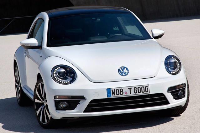 2013 Volkswagen Beetle 2.5L Slide 0