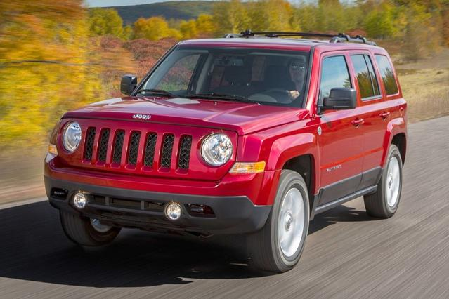 2017 Jeep Patriot LATITUDE Sport Utility Slide 0