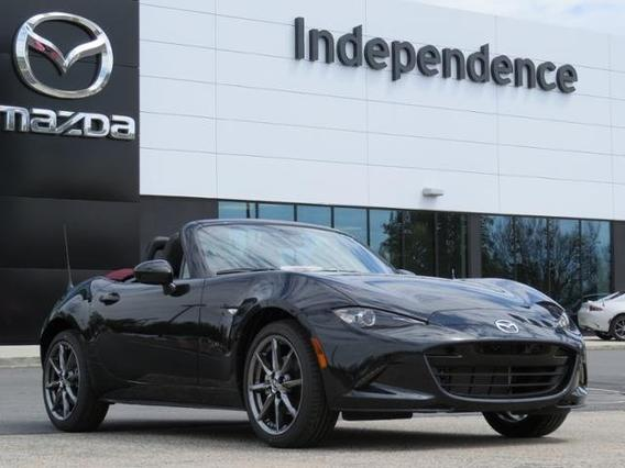 2018 Mazda Mazda MX-5 Miata GRAND TOURING Slide 0