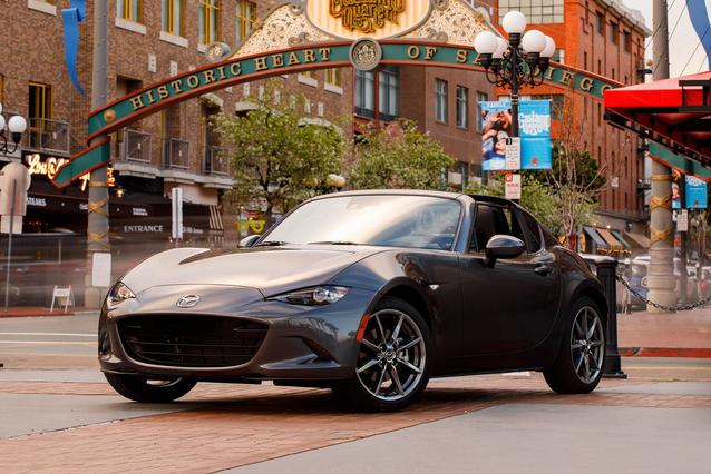 2018 Mazda MAZDA MX-5 Miata RF GRAND TOURING Convertible Slide 0
