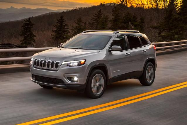 2019 Jeep Cherokee OVERLAND Sport Utility Slide 0