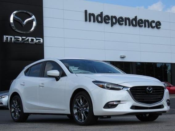 2018 Mazda Mazda3 5-Door GRAND TOURING Slide 0
