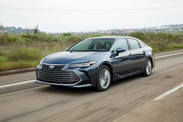 2019 Toyota Avalon HYBRID LIMITED Norwood MA