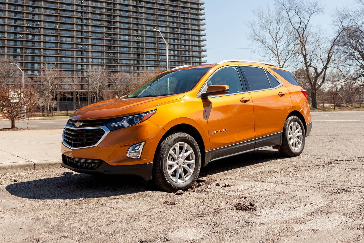 2019 Chevrolet Equinox LS Slide 0