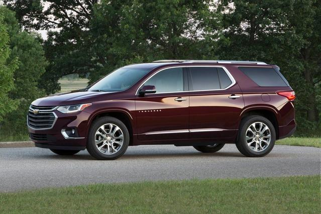 2019 Chevrolet Traverse PREMIER Slide 0