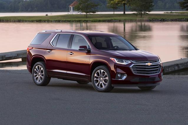 2019 Chevrolet Traverse LT LEATHER SUV Slide 0
