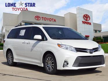 2018 Toyota Sienna XLE Mini-van, Passenger Lewisville TX