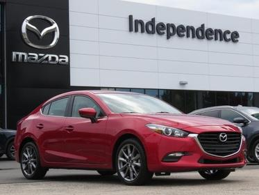 2018 Mazda Mazda3 4-Door TOURING Slide