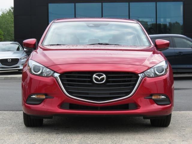 2018 Mazda Mazda3 4-Door TOURING Slide