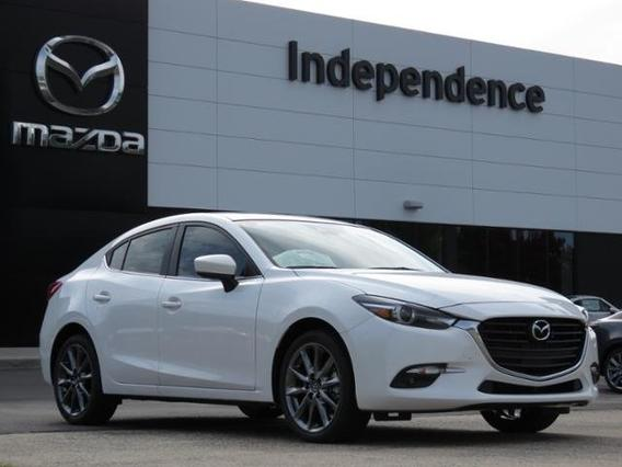 2018 Mazda Mazda3 4-Door GRAND TOURING Slide 0
