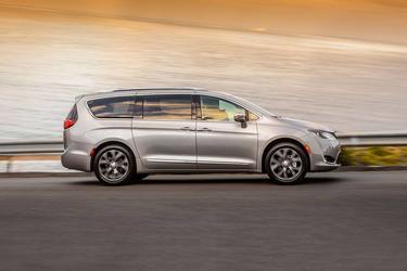 2019 Chrysler Pacifica LIMITED Mini-van, Passenger Durham NC