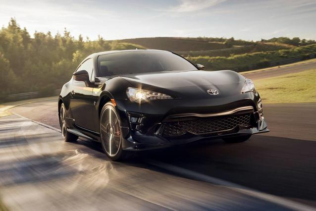 2019 Toyota 86 AUTO 2dr Car Slide 0