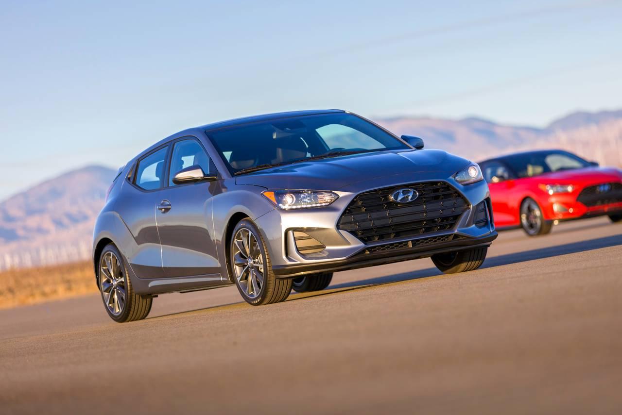 New 2019 Hyundai Veloster Premium