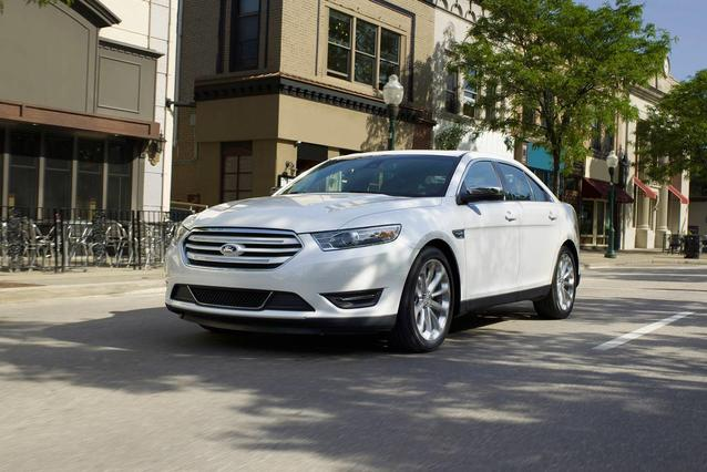 2018 Ford Taurus SEL 4dr Car Slide 0