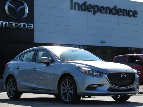 2018 Mazda Mazda3 4-Door TOURING Slide 0