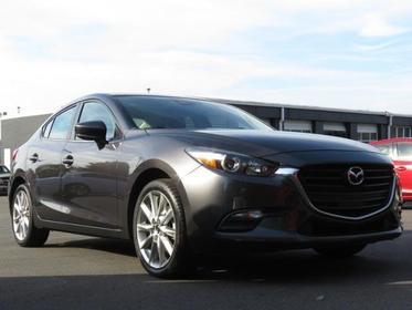 2017 Mazda Mazda3 4-Door TOURING Slide