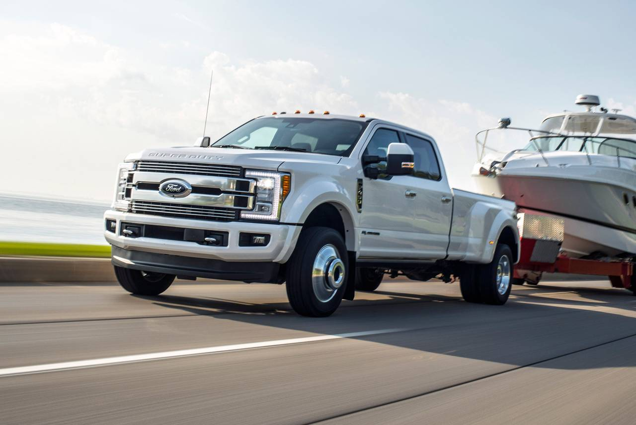 2019 Ford F-350SD LARIAT Crew Cab Pickup Slide 0