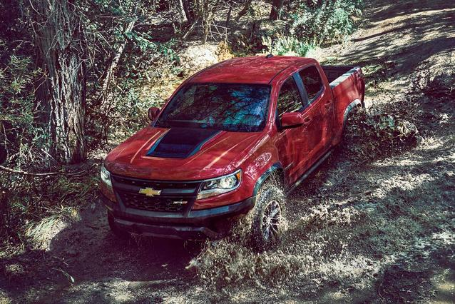 2019 Chevrolet Colorado 2WD WORK TRUCK Crew Cab Pickup Slide 0