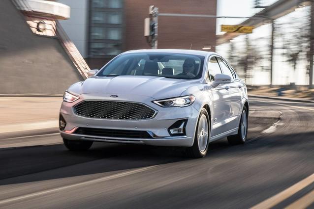 2019 Ford Fusion Energi TITANIUM 4dr Car Slide 0