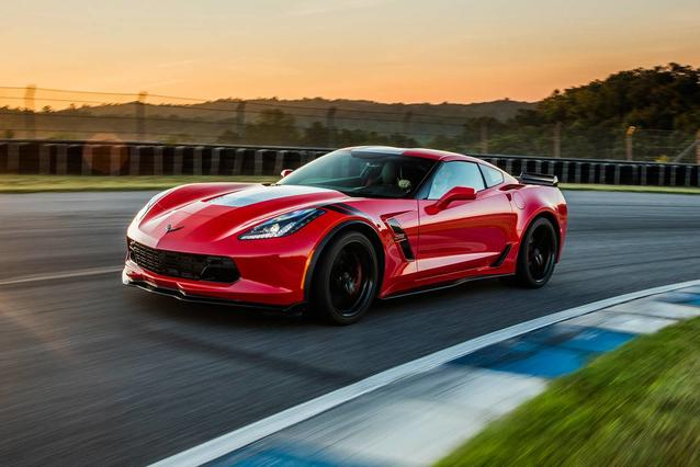 2019 Chevrolet Corvette Z06 2dr Car Slide 0