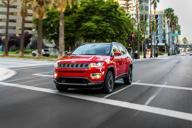 2019 Jeep Compass TRAILHAWK SUV Slide 0