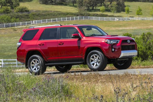 2019 Toyota 4Runner SR5 Slide 0
