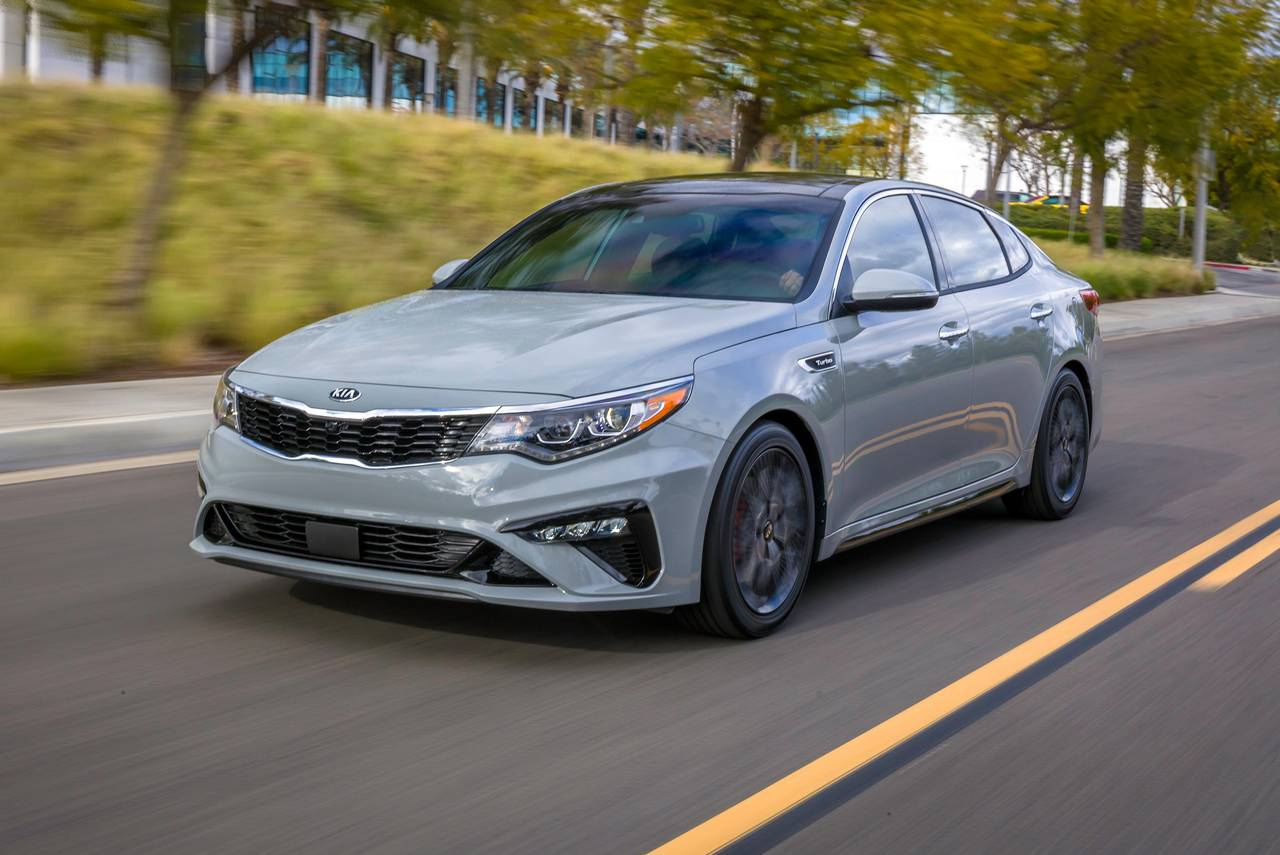 2019 Kia Optima LX 4dr Car Slide 0