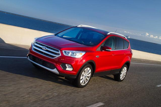 2019 Ford Escape TITANIUM SUV Slide 0