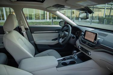 2019 Nissan Altima 2.5 SR 4dr Car Hillsborough NC