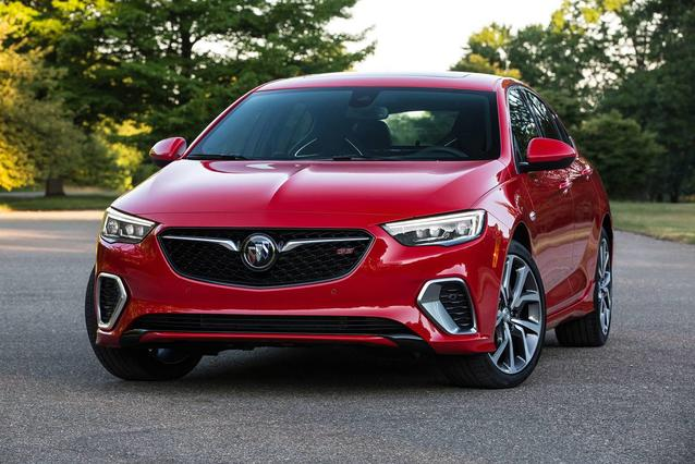 2019 Buick Regal Sportback ESSENCE Hatchback Slide 0