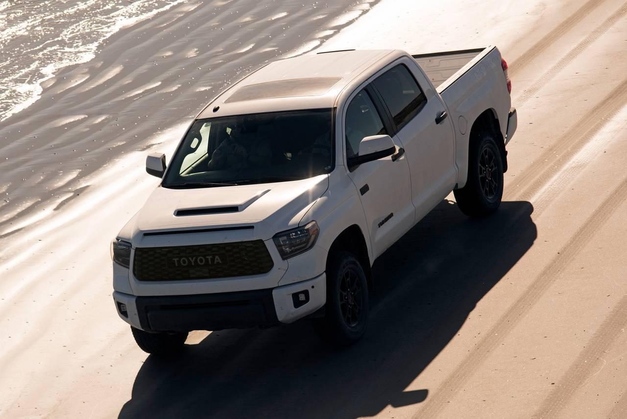 2019 Toyota Tundra SR5 4x4 SR5 4dr Double Cab Pickup SB (5.7L V8 FFV) Slide 0