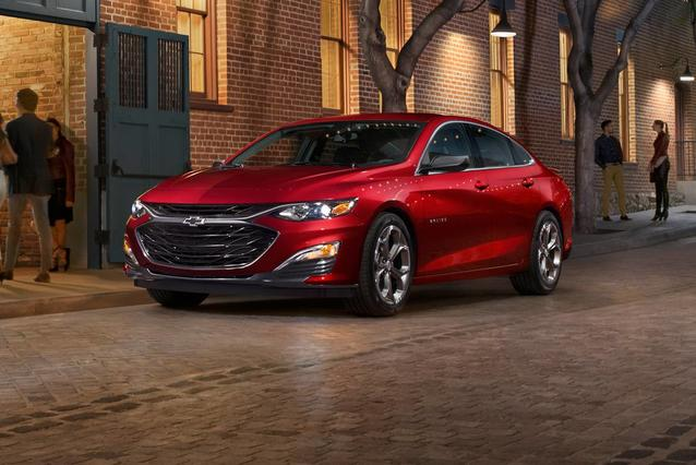 2019 Chevrolet Malibu PREMIER 4dr Car Slide 0
