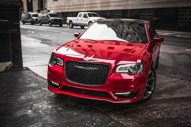2019 Chrysler 300 300S 4dr Car Slide 0