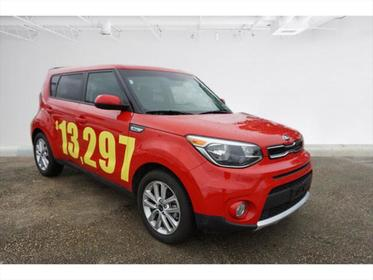 2017 Kia Soul + Hatchback Slide