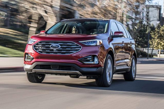 2019 Ford Edge SEL Sport Utility Slide 0