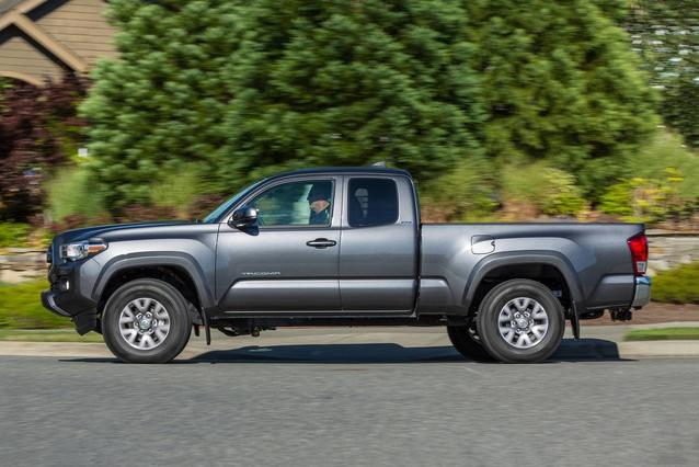 2019 Toyota Tacoma 4WD LIMITED LIMITED DOUBLE CAB 5' BED V6 AT Crew Cab Pickup Slide 0