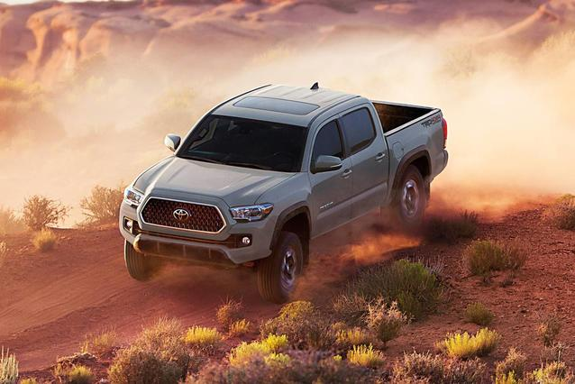 2019 Toyota Tacoma LIMITED LIMITED DOUBLE CAB 5' BED V6 AT Double Cab Slide 0